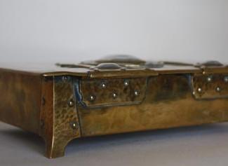 Arts & Crafts box back