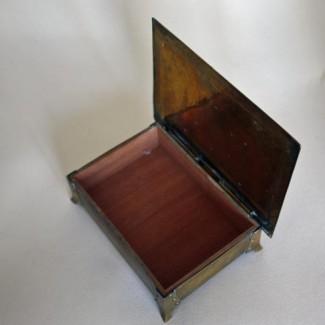 Arts & Crafts box open