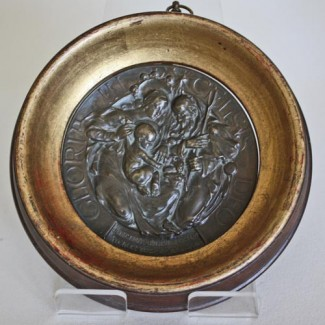 Gloria plaque 1