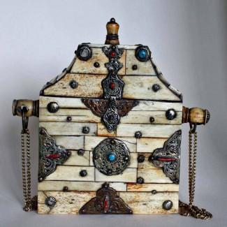Tibetan-amulet-box-1