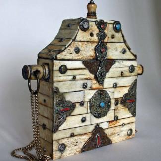 Tibetan-amulet-box-2