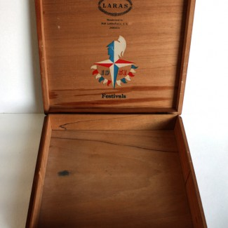 Festival-of-Britain-cigar-box-open